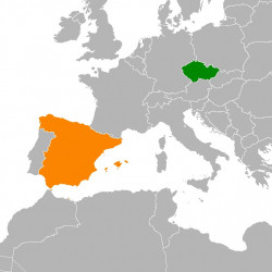 The Transitions to Democracy in Spain and Czechia/Czechoslovakia